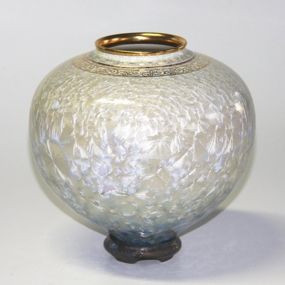 aquamarine-crystal-blossom-vase-and-base-8218